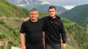 Со школьной скамьи и навсегда: история любви Хабиба Нурмагомедова и его жены, которую скрывают