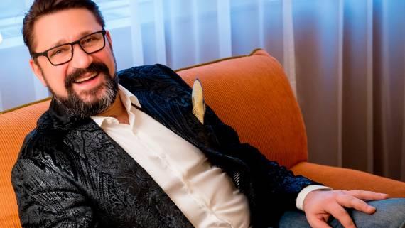 Виктор Логинов из сериала «Счастливы вместе» женился в четвертый раз