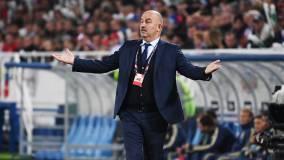 Черчесов объяснил кадровые решения в матче со Швецией