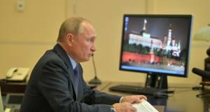 В Кремле оценили возможность введения жёстких ограничений по COVID-19