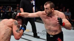 Российский боец Салихов снялся с турнира UFC из-за пневмонии