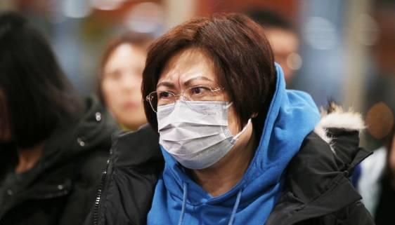 В Минздраве спрогнозировали снижение активности коронавируса в России