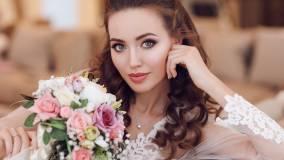 Жену футболиста Тарасова сравнили с Анджелиной Джоли