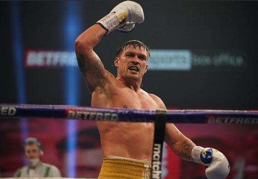 Украинец Александр Усик признан лучшим боксером месяца по версии WBA