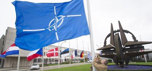 Министр Лавров: Россия приостанавливает работу представительства при НАТО с 1 ноября