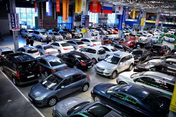 Россиянам объяснили, почему продолжится рост цен на автомобили