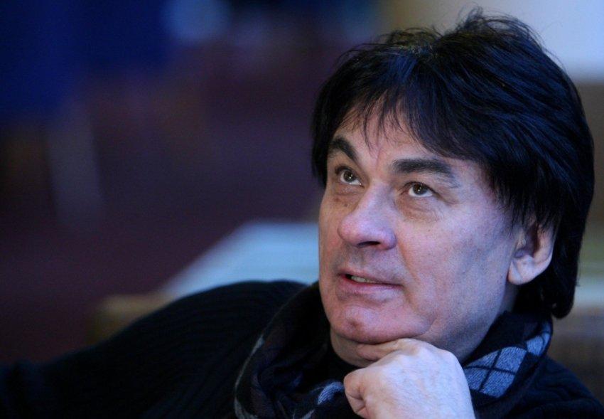 Певца Александра Серова могут ввести в искусственную кому из-за поражения лёгких коронавирусом