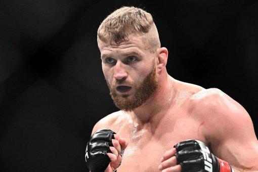 Чемпион UFC Блахович объяснил, что нужно Адесанье для получения реванша