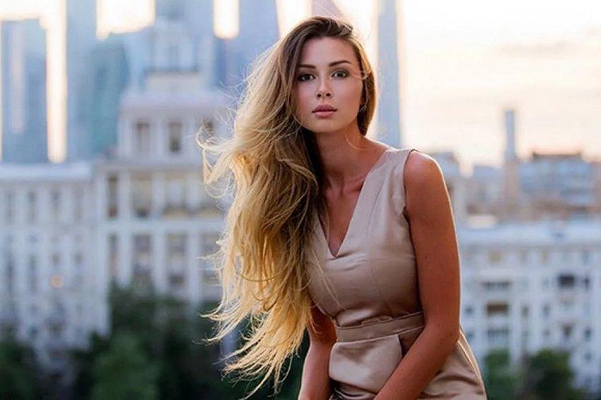 Дочь Анастасии Заворотнюк решила уехать из России