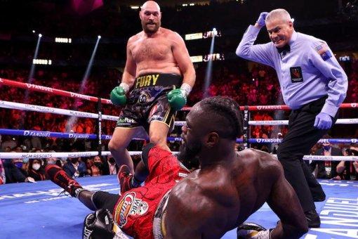 Тренер Деонтея Уайлдера рассказал, почему боксёр отказался жать руку Фьюри после поражения