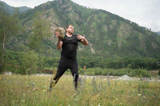 Боец MMA Александр Емельяненко сравнил себя с баскетболистом Майклом Джорданом во время тренировки