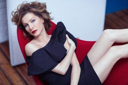 Актриса Елена Подкаминская призналась, что ей тяжело быть многодетной матерью