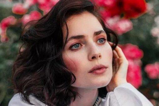 Актриса Юлия Снигирь посетила премьеру фильма про Джеймса Бонда