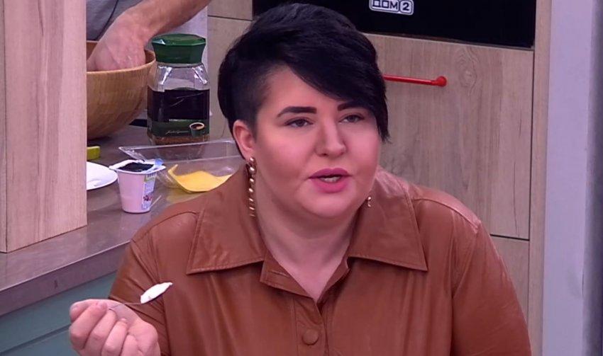 """Звезда """"Дома-2"""" Саша Черно сделала операцию на желудке, чтобы похудеть"""