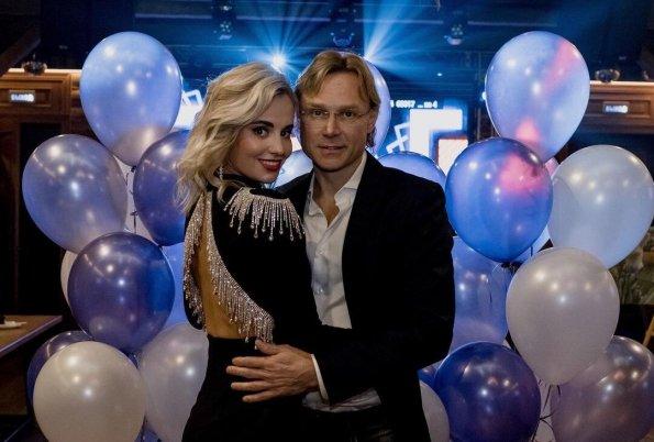 Жена Валерия Карпина пожаловалась на долгое отсутствие супруга из-за матчей сборной России