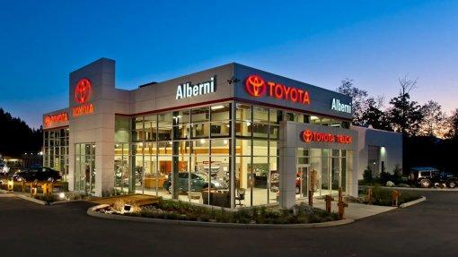 Toyota заняла лидирующие позиции по продажам в США