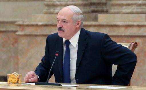 Президент Белоруссии Лукашенко раскритиковал принудительную вакцинацию и штрафы за отсутствие масок