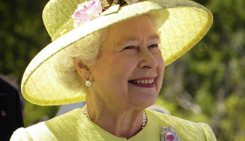 Королева Великобритании Елизавета II ответила на письмо школьников из Крыма