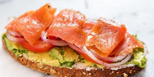 Британские диетологи назвали два снижающих уровень холестерина изменения в рационе