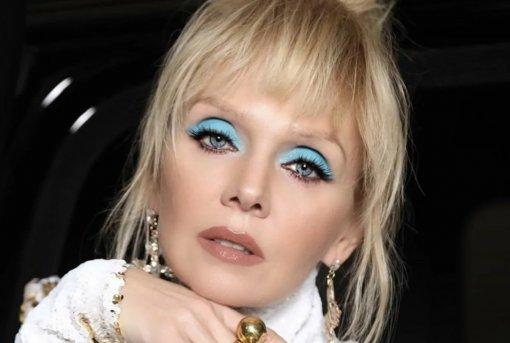 Певица Валерия призналась, что к ее детям предвзято относились в России
