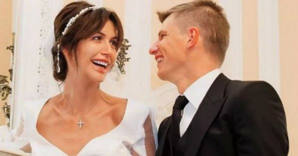 Бывшая жена Аршавина Алиса Казьмина съехала из дома футболиста