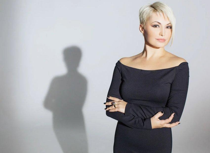 Певица Катя Лель прокомментировала слухи о том, что отцом ее дочери является актёр Константин Хабенский