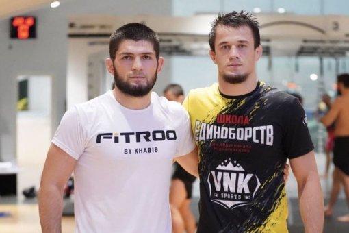 Боец Усман Нурмагомедов пока не хочет пытаться превзойти достижения брата