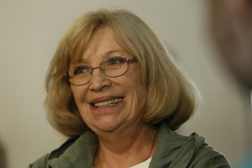 74-летняя вдова Валентина Гафта появилась на сцене в инвалидной коляске