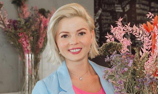 Телеведущая Елена Николаева сообщила поклонникам о перерыве в работе из-за беременности