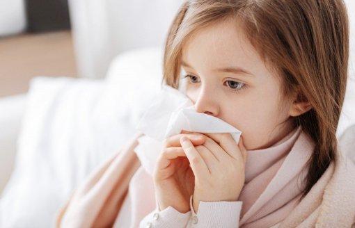 Доктор Евгений Комаровский объяснил, что делать при частых простудах у ребенка