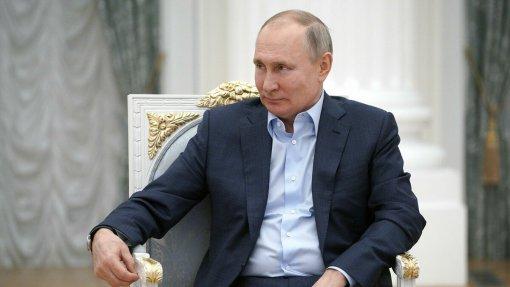 Пресс-секретарь Песков заявил, что у Путина нет традиции проставляться на свой день рождения
