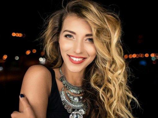 Регина Тодоренко показала новый образ с короткими волосами