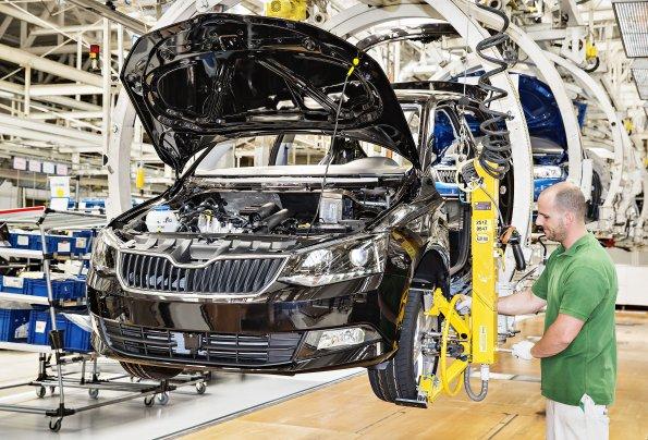 Три завода производителя Skoda в Чехии остановят с 18 октября из-за нехватки чипов
