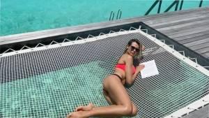 Мария Горбань в красивых купальниках отдыхает на Мальдивах