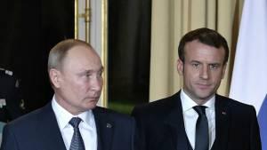 Макрон заявил Путину о необходимости урегулирования в Белоруссии