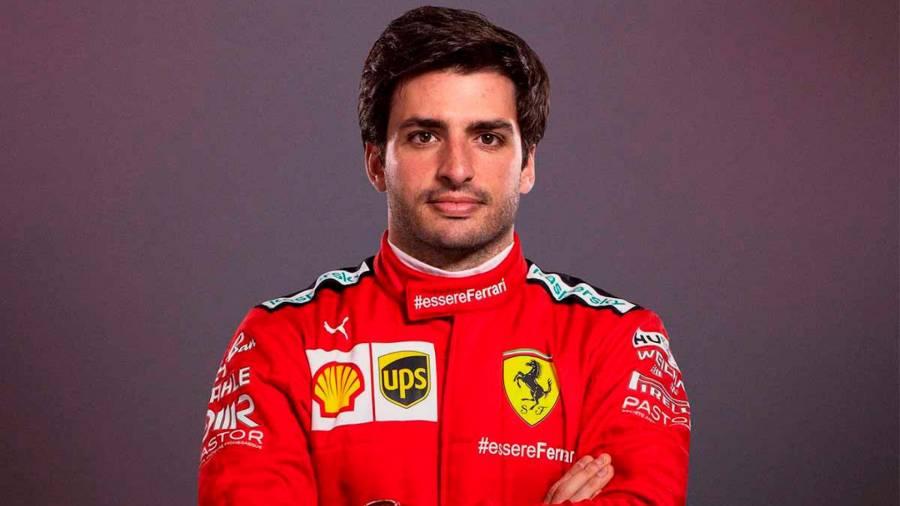 Карлос Сайнс переживает из-за проблем Ferrari