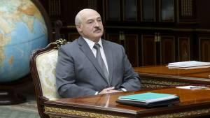 Лукашенко заявил, что Белоруссия должна стать менее авторитарной