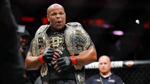 Двукратный чемпион UFC Кормье объявил о завершении карьеры