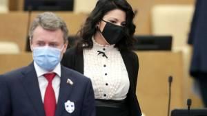 Восемь депутатов Госдумы госпитализированы с COVID-19 за неделю