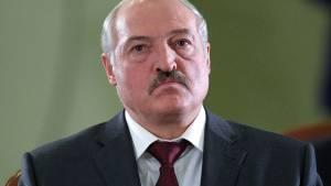 Лукашенко заявил о возможности закрыть границы для западных стран