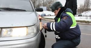 В России будут наказывать водителей, которые не меняют покрышки авто