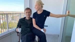Песков прокомментировал требование Навального вернуть изъятую одежду