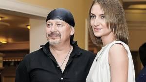 Вдова Марьянова назвала сумму наследства от актера