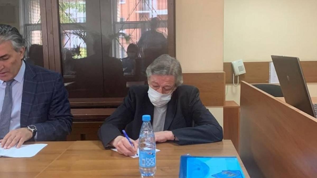 Расстрелять»: Михаил Ефремов в суде вынес себе приговор - CT News