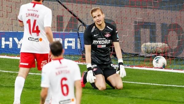 Габулов раскритиковал Максименко за игру в дерби с ЦСКА