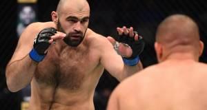 Россиянин Абдурахимов снялся с турнира UFC из-за проблем со здоровьем