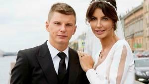 Бывшая жена Аршавина заявила, что обречена ждать его всю жизнь