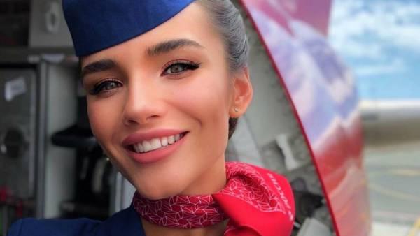 Самая красивая стюардесса России восхитила подписчиков откровенным фото