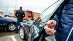 Эксперты раскрыли популярные схемы мошенников при покупке авто