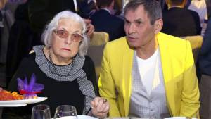 Федосеева-Шукшина требует вернуть переписанную на Алибасова квартиру